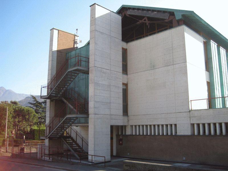 Municipio di valmadrera lc - Immagini di uffici ...